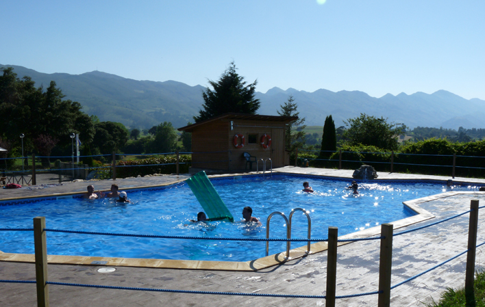 Camping Colombres piscina