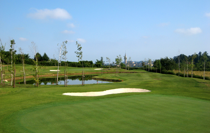Deva Golf Pitch and Putt