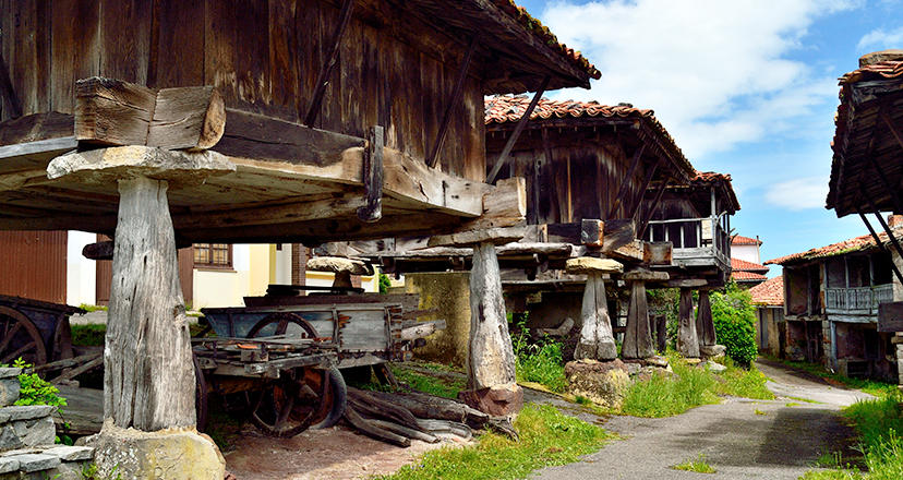 The raised granaries of Asturias, a dream in the air